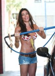 jasmine_waltz_bikini_car_wash_july_26_2011_7-450x624